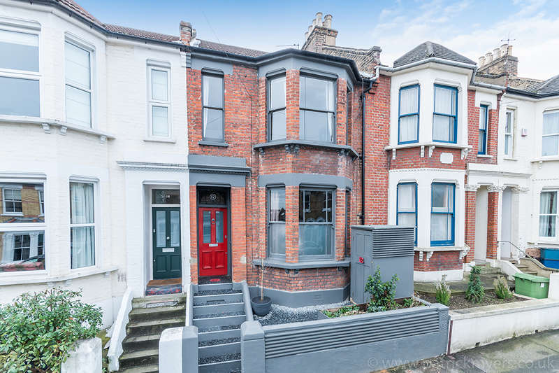 3 Bedrooms Terraced House for sale in Malfort Road, Camberwell, SE5