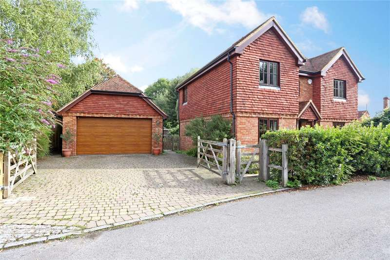 5 Bedrooms Detached House for sale in The Withies, Crondall, Farnham, Hampshire, GU10