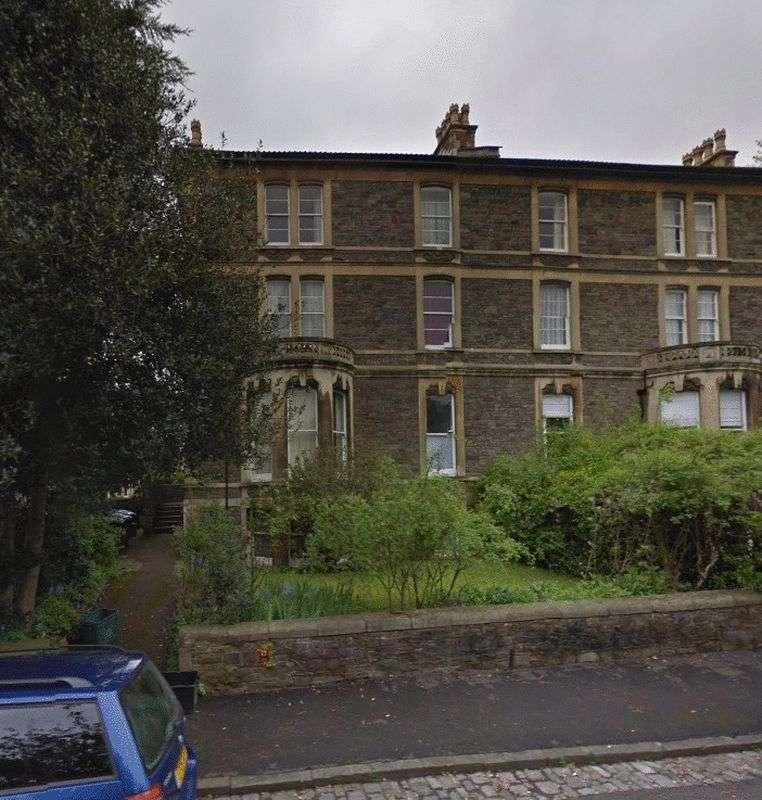 3 Bedrooms Flat for rent in Fernbank Road, Bristol