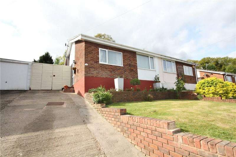 2 Bedrooms Semi Detached Bungalow for sale in Kirkstone Drive, Worcester, Worcestershire, WR4