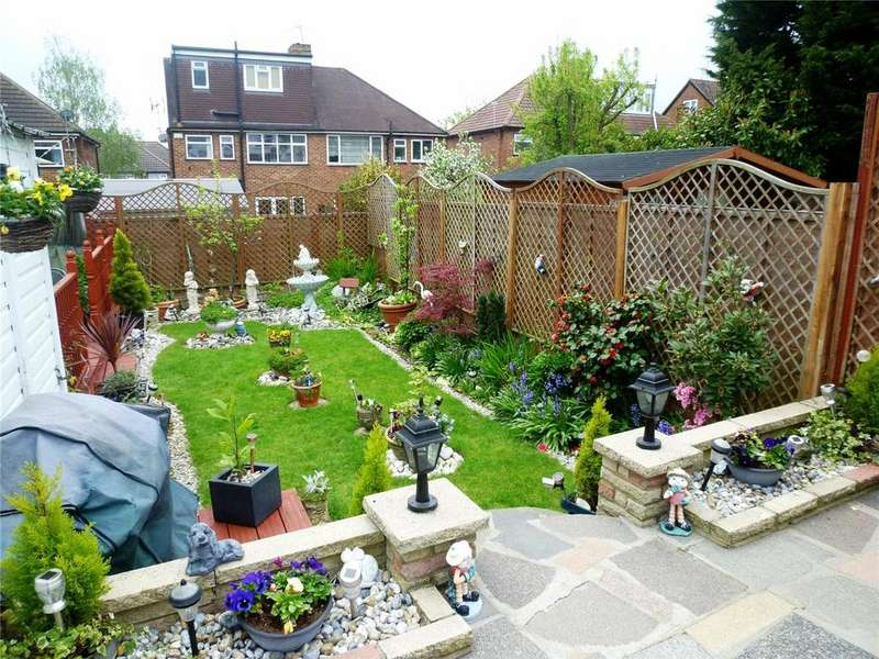 4 Bedrooms Semi Detached House for sale in Whitegate Gardens, Harrow, Middx, HA3