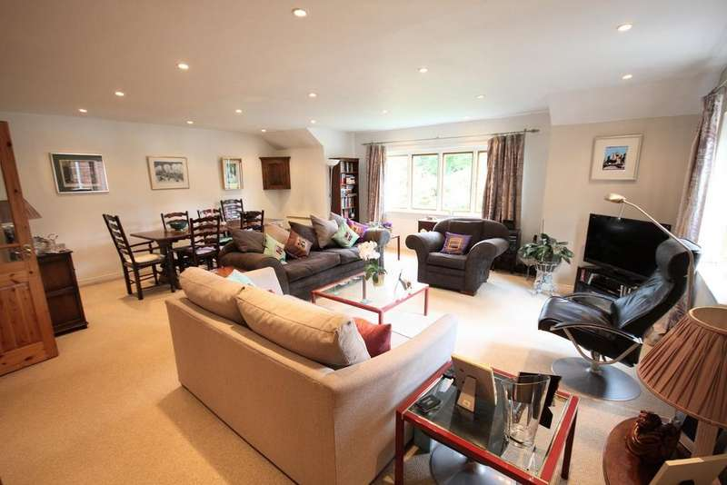 1 Bedroom Apartment Flat for sale in Norcliffe Hall Mews, Styal