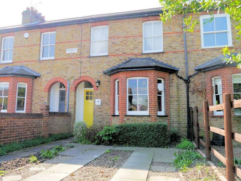 3 Bedrooms Terraced House for sale in Orchard Lea Villas, Dedworth Road, Windsor SL4