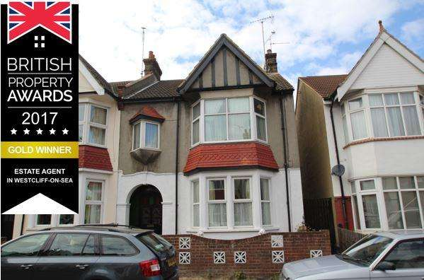 1 Bedroom Flat for sale in Westbourne Grove, Westcliff on Sea SS0