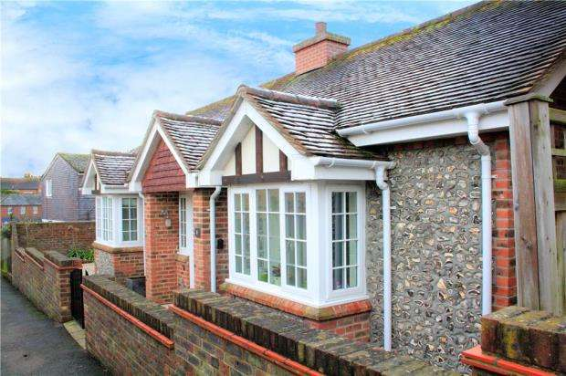2 Bedrooms Detached Bungalow for sale in Red Admirals, 24 Water Lane, Angmering, West Sussex, BN16
