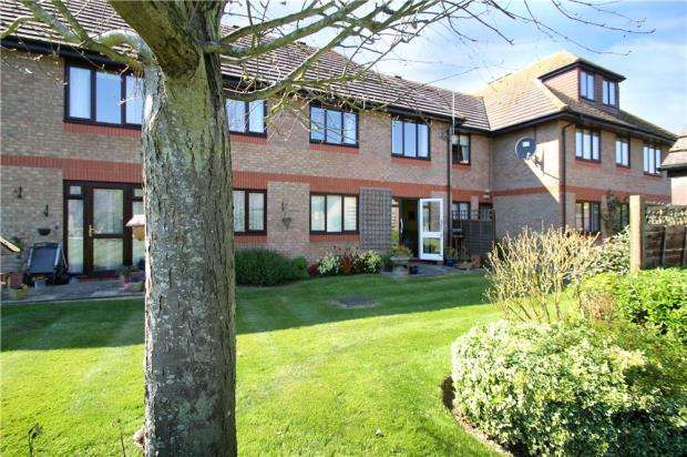 1 Bedroom Retirement Property for sale in Field House, Station Road, East Preston, West Sussex, BN16