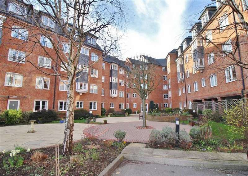 2 Bedrooms Retirement Property for sale in Castlemeads Court, Gloucester, Gloucestershire