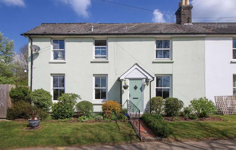 3 Bedrooms Semi Detached House for sale in Colwell Lane, Haywards Heath