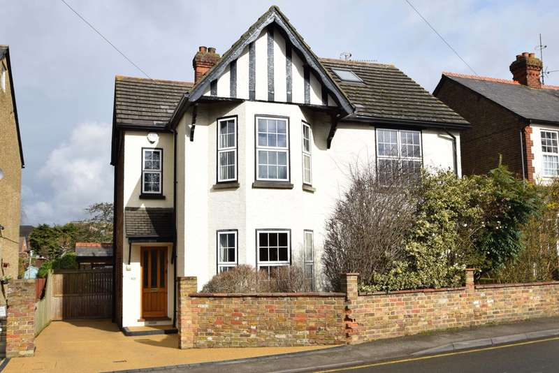 5 Bedrooms Detached House for sale in Stomp Road, Burnham, SL1