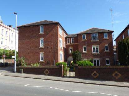 2 Bedrooms Flat for sale in Holloway Street, Exeter, Devon