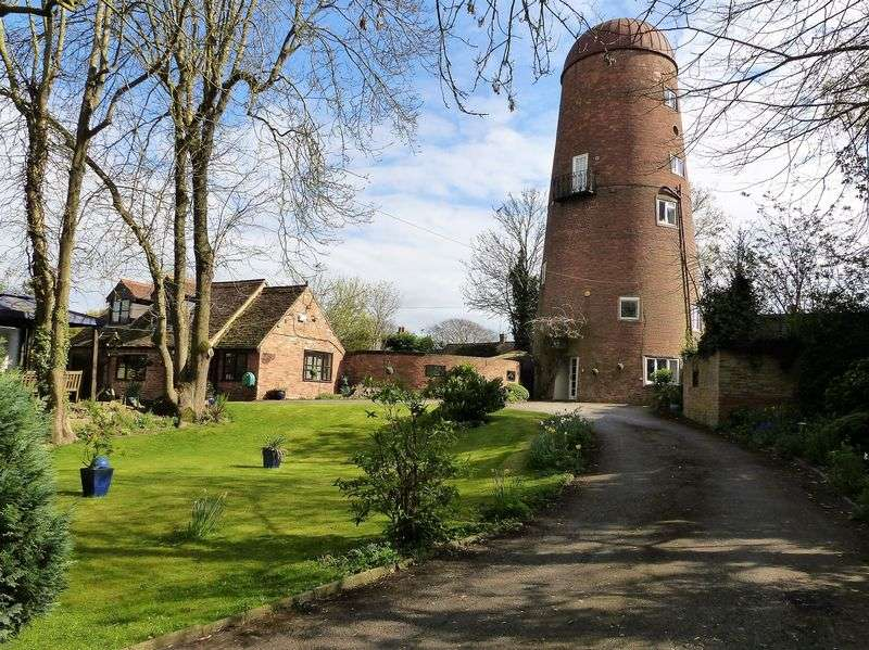 4 Bedrooms Detached House for sale in The Mill & Mill Cottage, Church Road, Braunston, NN11 7HQ