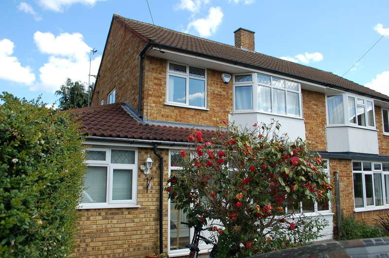 4 Bedrooms Semi Detached House for sale in Hampton