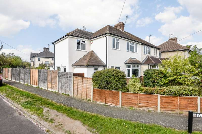 4 Bedrooms Semi Detached House for sale in New Haw