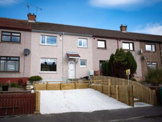 3 Bedrooms Terraced House for sale in Ochil Terrace, Dunfermline, KY11