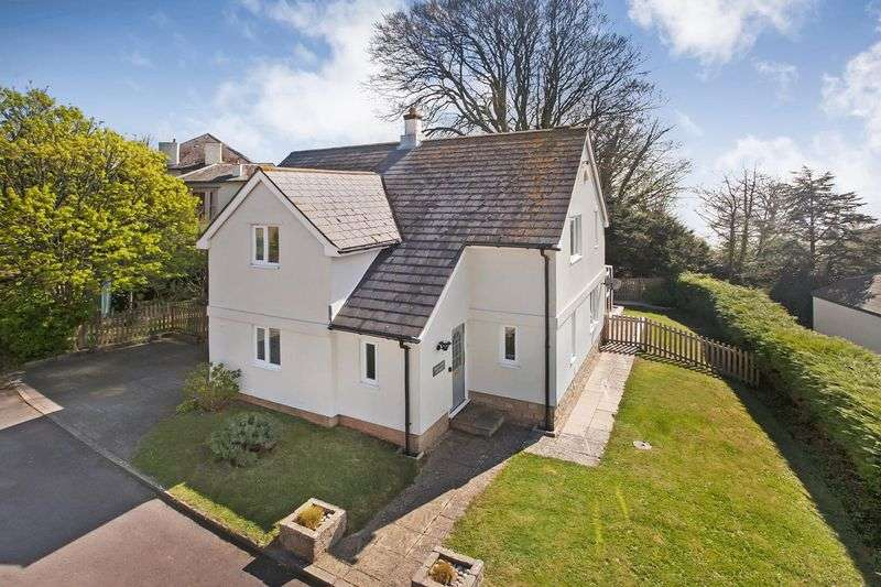 3 Bedrooms Detached House for sale in Sidmouth Road, Lyme Regis