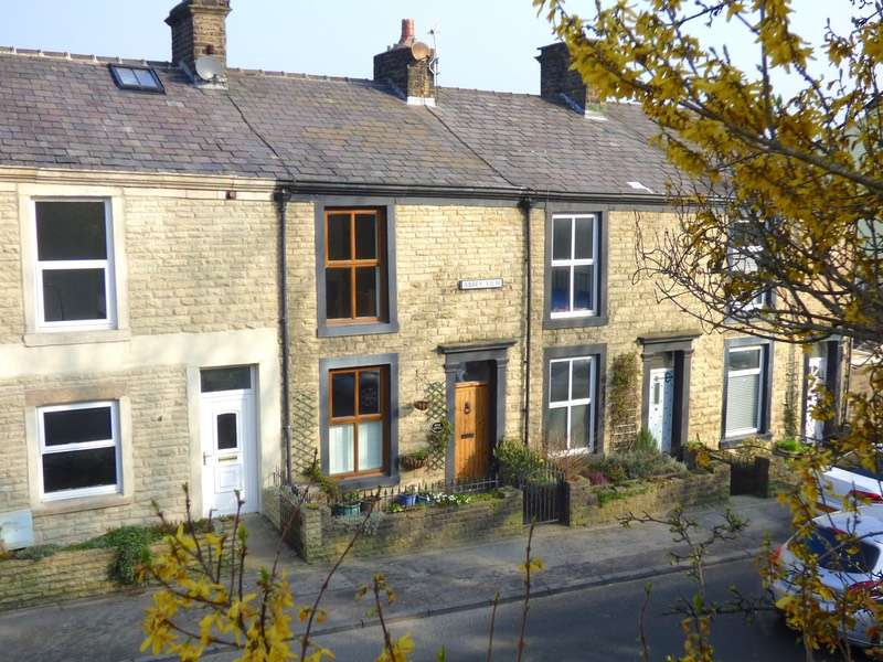 2 Bedrooms Terraced House for sale in abbeyview, billington, Lancashire, BB7