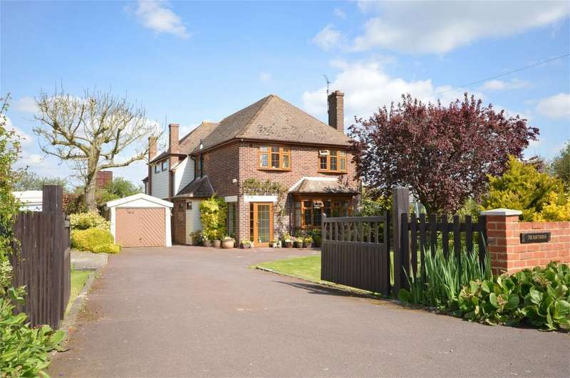 4 Bedrooms Detached House for sale in The Hawthorns, Vicarage Lane, North Weald, EPPING, Essex