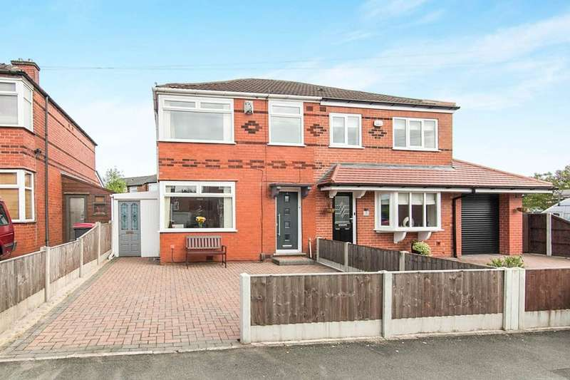 3 Bedrooms Semi Detached House for sale in Heys Close North, Wardley,Swinton, Manchester, M27