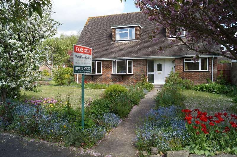 4 Bedrooms Detached House for sale in Portway, Steyning, West Sussex, BN44 3QF