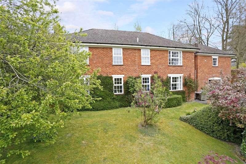 4 Bedrooms Detached House for sale in Hillside Road, Tylers Green, Penn, Buckinghamshire, HP10