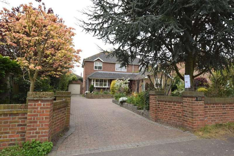 3 Bedrooms Detached House for sale in Seaview Avenue, West Mersea