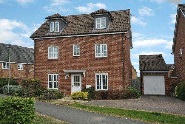 4 Bedrooms Detached House for sale in Jersey Drive, Winnersh, Wokingham,