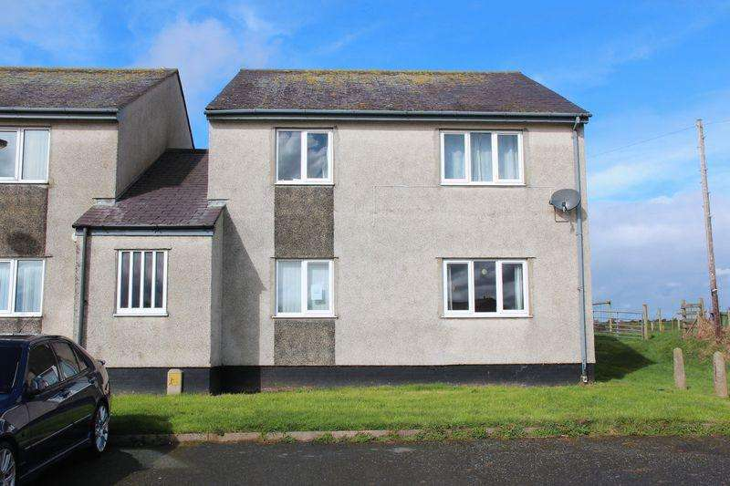 2 Bedrooms Flat for sale in Treseifion Estate, Holyhead