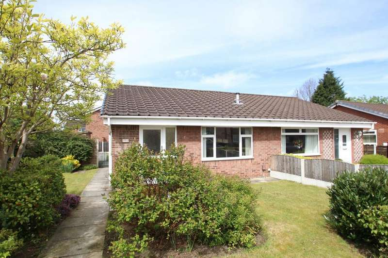 2 Bedrooms Semi Detached Bungalow for sale in Valley Road, Flixton, Manchester, M41