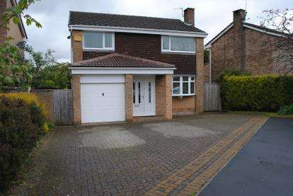 4 Bedrooms Detached House for sale in Southdown Crescent, Cheadle Hulme, Cheadle, Greater Manchester