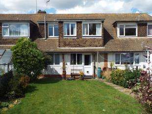 3 Bedrooms Terraced House for sale in The Street, Hawkinge, Folkestone, Kent
