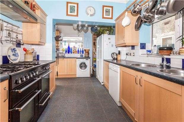 4 Bedrooms Semi Detached House for sale in Bulverhythe Road, ST LEONARDS-ON-SEA, East Sussex, TN38 8AF