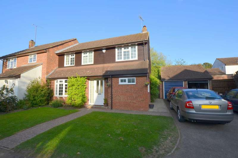 4 Bedrooms Semi Detached House for sale in Pembridge Chase, Bovingdon HP3