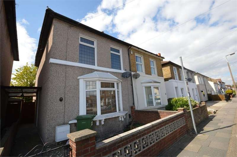 3 Bedrooms Semi Detached House for sale in Chapel Road, Bexleyheath