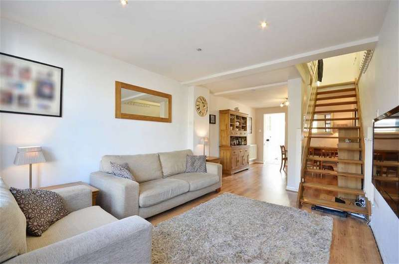 2 Bedrooms Property for sale in Norfolk Road, Rickmansworth, Hertfordshire, WD3