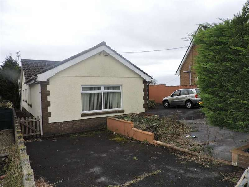 3 Bedrooms Property for sale in Heol Lotwen, Capel Hendre