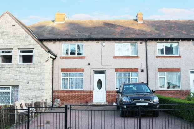 3 Bedrooms Terraced House for sale in Southey Hall Road, Sheffield, South Yorkshire, S5 7PY