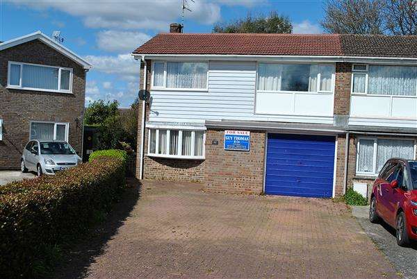 3 Bedrooms Semi Detached House for sale in 52 St Michaels Road