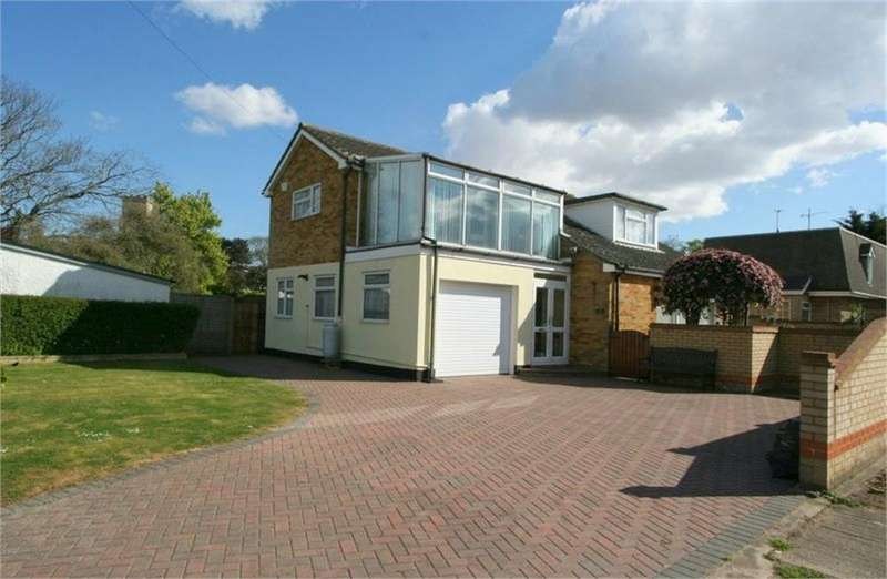 4 Bedrooms Detached House for sale in Kirby Road, WALTON-ON-THE-NAZE, Essex