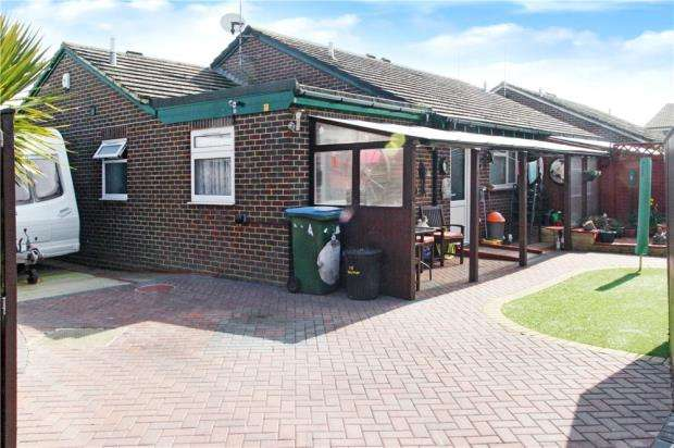 2 Bedrooms Detached Bungalow for sale in Holmes Lane, Rustington, West Sussex, BN16