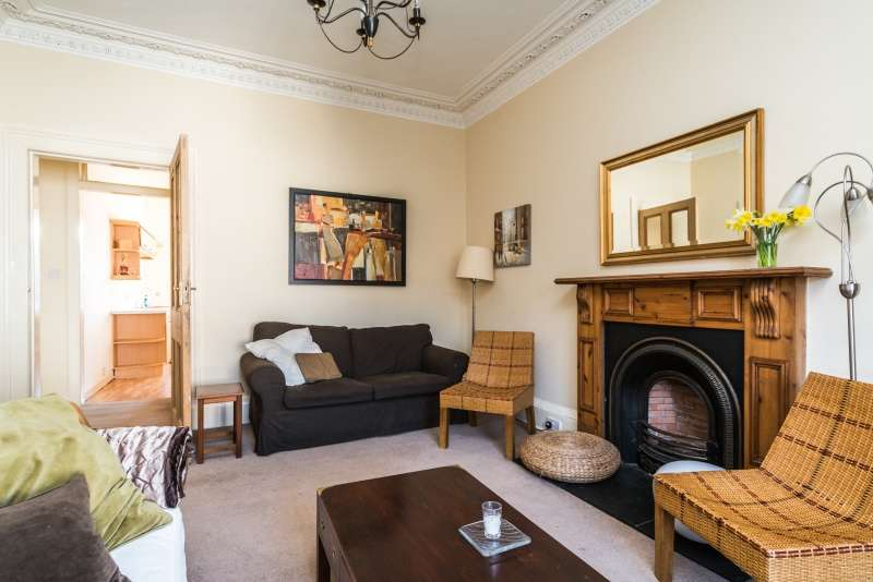 3 Bedrooms Flat for sale in Grindlay Street, West End, Edinburgh, EH3 9AS