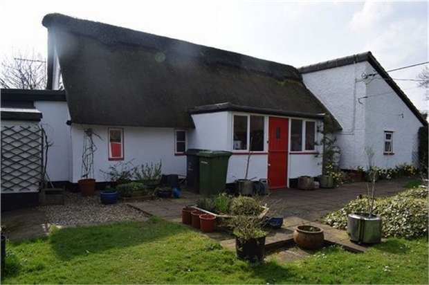 3 Bedrooms Cottage House for sale in Hall Lane, Thompson, Thetford, Norfolk