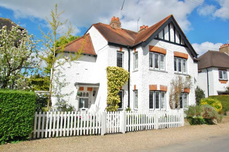 3 Bedrooms Semi Detached House for sale in The Queensway, Gerrards Cross, SL9
