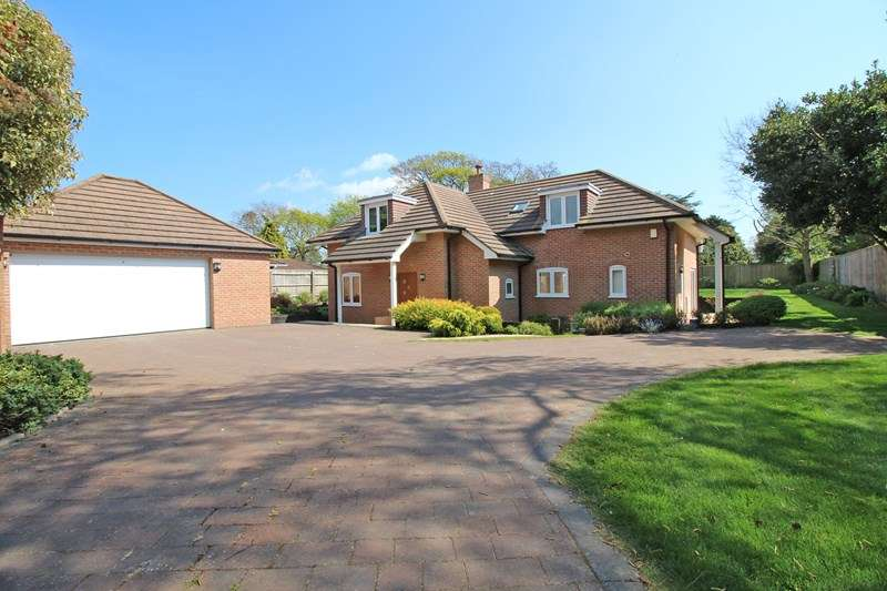 4 Bedrooms Detached House for sale in Manor Road, Milford On Sea, Lymington