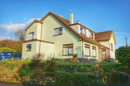 5 Bedrooms Detached House for sale in Par, Cornwall