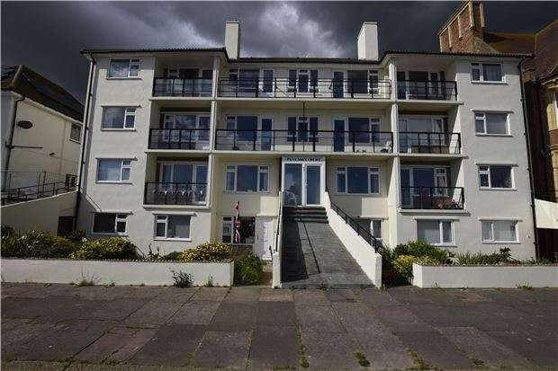 2 Bedrooms Flat for sale in Pevensey Court, West Parade, Bexhill-On-Sea, East Sussex, TN39 3DY