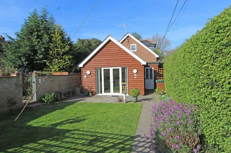 3 Bedrooms Detached House for sale in Romsey
