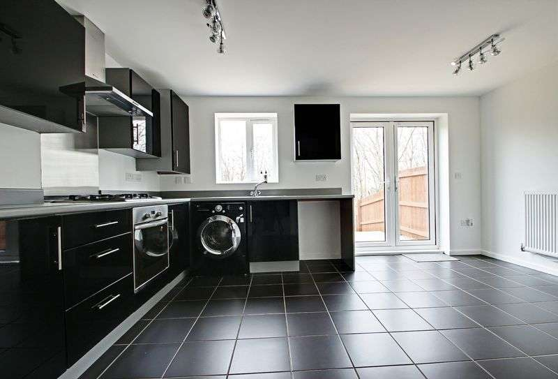 3 Bedrooms Semi Detached House for sale in Great Row View, Wolstanton