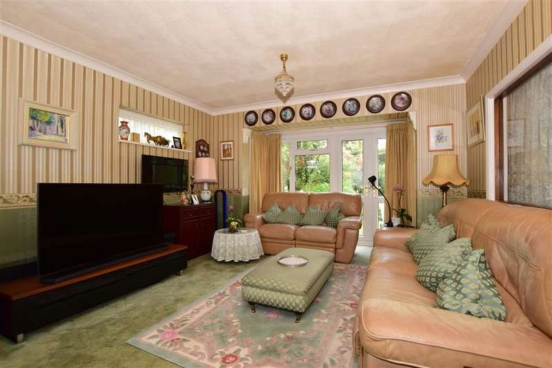 4 Bedrooms Detached House for sale in Leslie Gardens, Sutton, Surrey