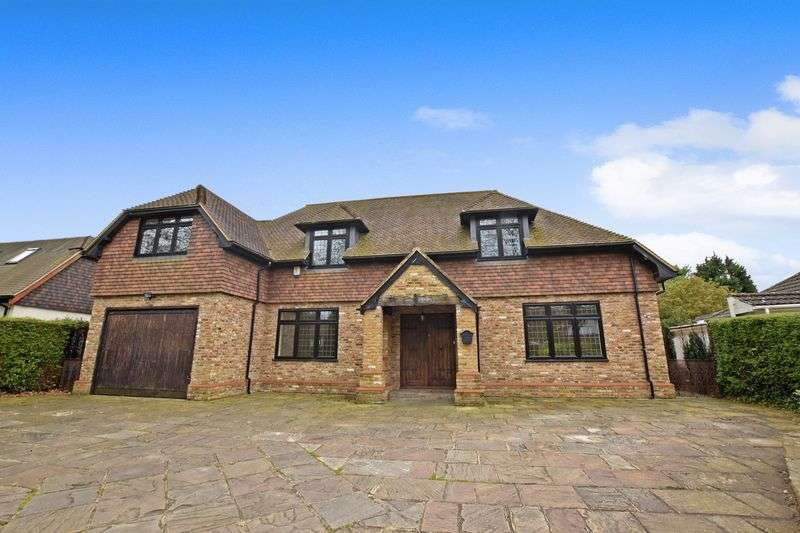 5 Bedrooms Detached House for sale in Worlds End Lane, Chelsfield Park
