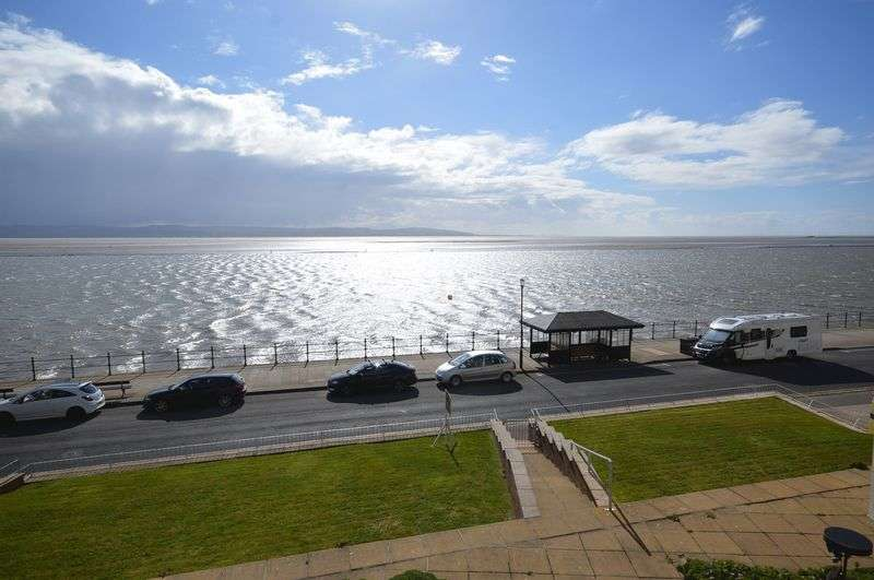 2 Bedrooms Flat for sale in South Parade, West Kirby